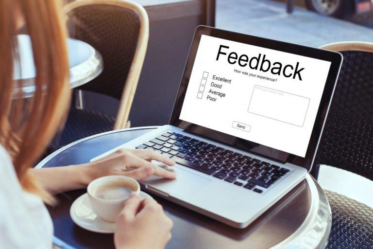 woman giving feedback online